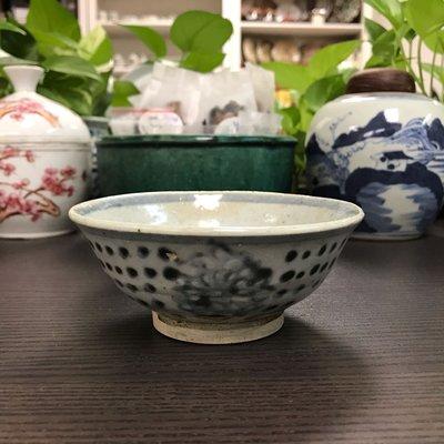 明代青花碗#1228,12*5.3cm左右,品相基本完整,有縮釉 ,釉面有開片