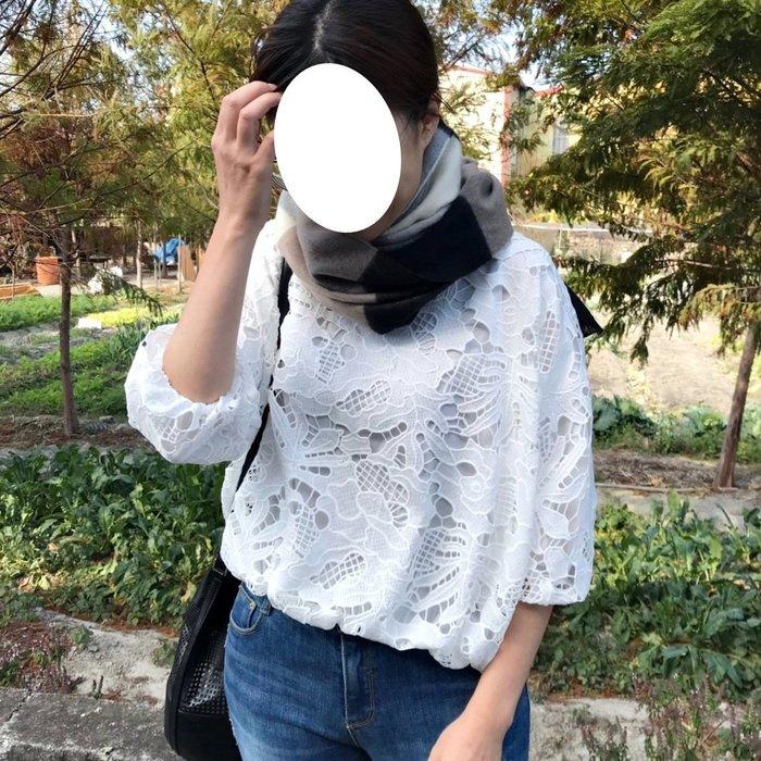 正韓【Meet Shop】Feb-14 鏤空蕾絲花苞蓬蓬袖上衣 白色 紫色