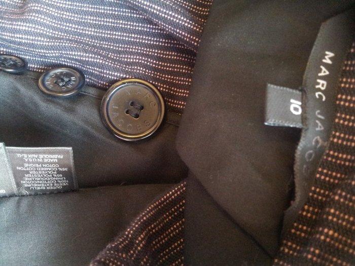 Marc Jacobs設計師主線黑標 細白點條紋厚棉修身單排牛角扣西裝式外套原價$46850