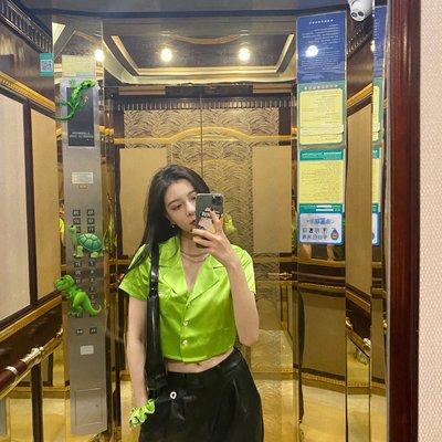 美人魚~cc宋妍霏周雨彤同款夏季糖果色薄款緞面少女水晶鉆短款襯衫上衣女