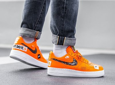 【Cool Shop】Nike Air Force 1 '07 Just do it 橘黑色 AR7719-800 塗鴉