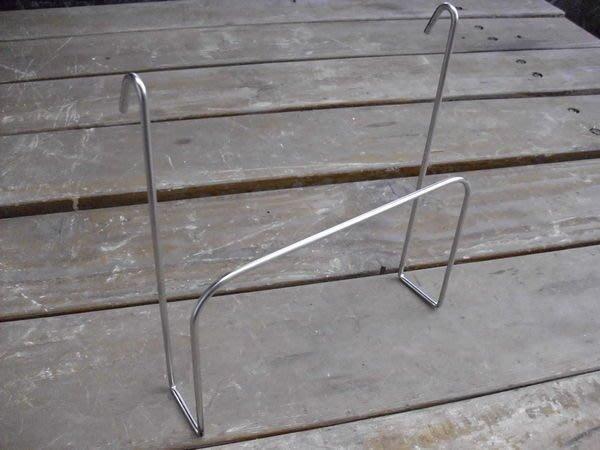 ☆成志金屬廠☆極簡式S-4-03不鏽鋼單線掛式砧板架,便宜好買,歷久不壞,到處勾都方便