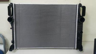 BENZ W211 M113 E500 2003-2008 水箱  ((德國品牌.原裝進口))2115003102