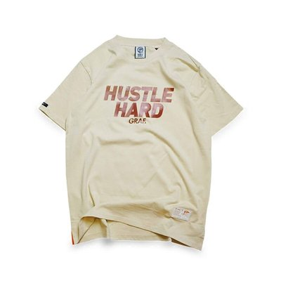 Cover Taiwan 官方直營 GRAF Hustle Hard 美式 嘻哈 高端 街頭 短Tee 卡其色 (預購)