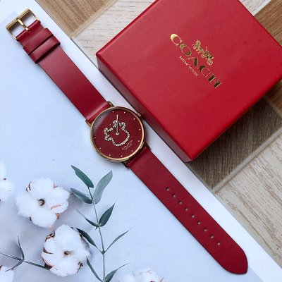 【Woodbury Outlet Coach 旗艦館】COACH 牛年紀念款 紅色真皮錶帶手錶 石英腕錶 女錶 美國代購