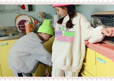 。~ 寶貝可愛 ~。韓國精選peach&cream休閒時尚,mount sweat上衣T。2019秋冬現貨出清優惠