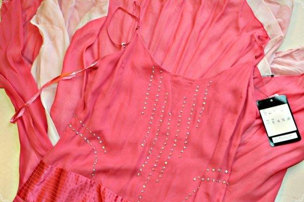 全新微風專櫃正品《BCBG》淡粉紅Swarovski 施華洛士奇水晶緞面腰帶100%蠶絲洋裝(原價$17680)