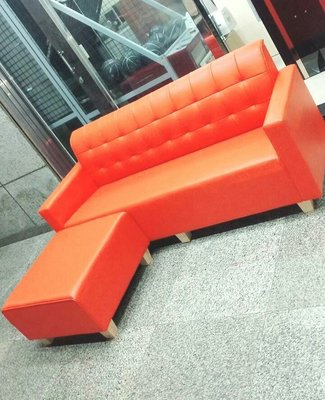 新竹二手家具買賣來來-全新橘色L型皮沙發~新竹搬家公司|竹北-新豐-竹南-頭份-2手-家電買賣收購中古實木-傢俱沙發-茶几-衣櫥-床架-床墊-冰箱-洗衣機