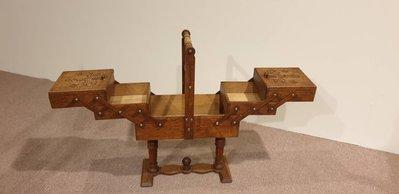【卡卡頌 歐洲跳蚤市場/歐洲古董】Rare! 法國 ~手工雕花   可展開 可折疊 多功能    收納展示站立木盒ss0