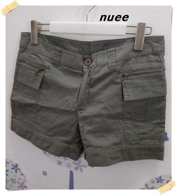 。日系nuee【全新專櫃商品】艾綠色 個性俏皮款拉鍊造形附蓋側邊口袋純棉低腰短褲。L號