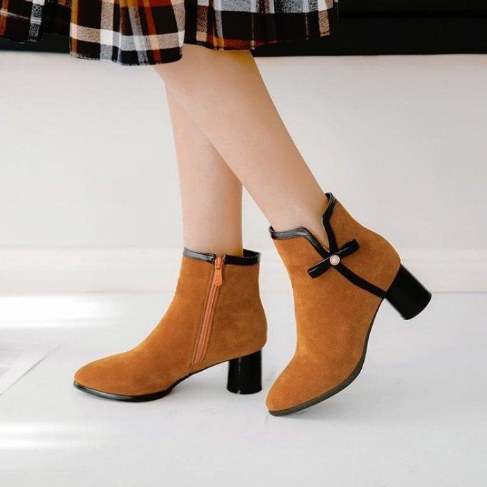 【星居客】精美女鞋大小碼女鞋  歐美新款女靴短靴磨砂面32 33粗跟中跟單靴40-43 44-47大碼騎士靴S932