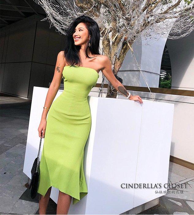 《仙杜瑞拉的衣櫃》sk1126 超合身性感 平口針織不規則下擺 包臀連身裙