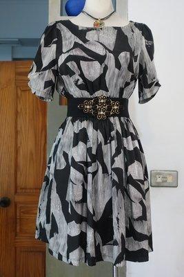 [C.M.平價精品館]M現貨/AND THEN.....女裝專櫃/大方簡單黑銀抽象相間雙口袋短袖洋裝