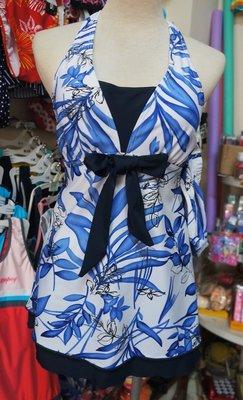 全新零碼L-特價390出清-上衣長版泳衣*淑女風綁頸泳裝-V領-藍葉紋二件式(短褲)