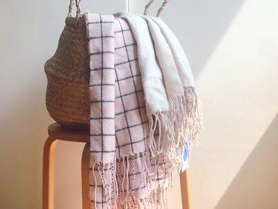 [SECOND LOOK]Monki 文青感 超柔軟 舒服圍巾 兩色