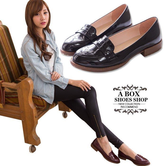 格子舖*【KI636】MIT台灣製 英倫簡約質感光澤亮皮 防滑粗低跟紳士靴牛津鞋包鞋 2色