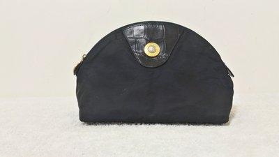 八成新~ Versace ( 凡賽斯 )  手拿包  化妝包  ----  黑色