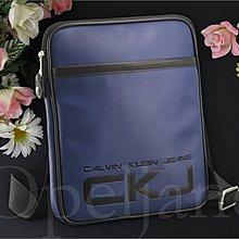 真品 Calvin Klein Bag CKJ 卡文克萊防水郵差包斜背包可放IPAD平板電腦袋 免運費 愛Coach包包