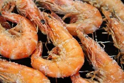 【中秋烤肉食材】來點新鮮的~活凍白蝦(50/60)/ 約250g~殼薄新鮮~肉嫩味美~鮮甜便宜又好吃~