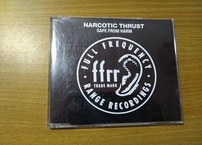 [小柳懷舊]~CD MARCOTIC THRUST 電子舞曲二重奏 SAFE FROM HARM (袋裝)