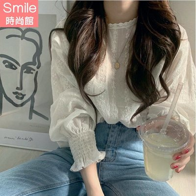 【V2998】SMILE-甜美清新.純色鉤花縮口燈籠袖上衣