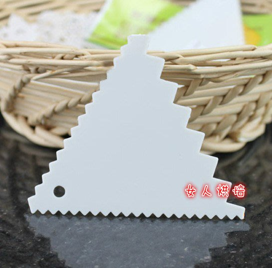 女人烘焙 (現貨供應) 鋸齒三角刮刀 三角刮板 三角刮板蛋糕奶油造型工具波浪刮板波浪刮刀牛油刮刮油板面團切刀烘焙工具