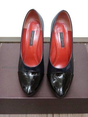 (特價勿議)真品~Louis Vuitton LV~漸層藍黑色立體尖頭高跟鞋~37.5