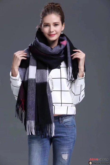美國大媽代購 Burberry 專櫃新款 時尚新寵 優雅格紋時尚 羊毛絨圍巾 披肩 保暖必備 歐美代購