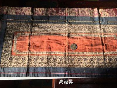 民初後之刺繡老花布,一定有歷史痕跡不是新品介意勿下標。高雄可以面交售後不退避免爭議,敬請見諒。