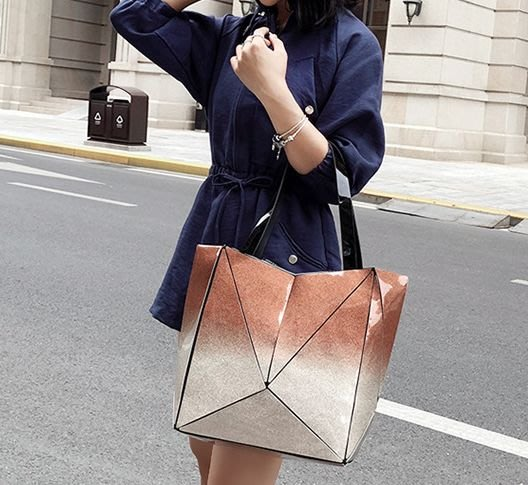 楞宅 ~ 代購熱銷漸變色亮面幾何折叠手提包肩背包公事包 /MF228