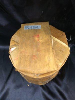《茁壯啟業 》1999年勐海茶廠 8582青餅(陳倉) 一餅12000 整筒75000