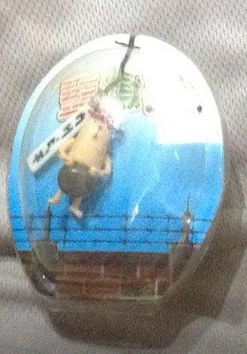 全新監獄兔手機吊飾