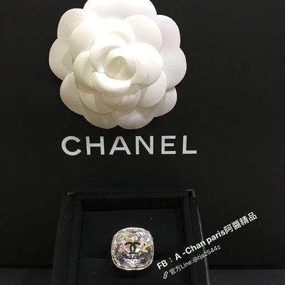 ~阿醬精品~巴黎直送。 造型超吸睛 Chanel水鑽內鑲Loge