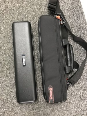 Rock + Music (沙田) Yamaha Flute 211 with Case and Bag 長笛 連 盒及袋 九成新 只售 1800 元