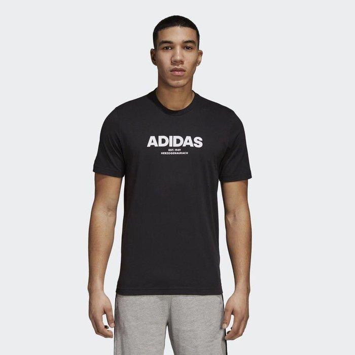 【AIRWINGS】ADIDAS CZ9078 男性黑色ESSENTIALS短袖T恤