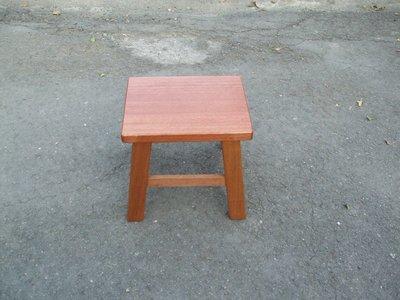 C005 {崙頂傳統原木家具行}~柳安木小四腳椅  買多張有優惠 開店小吃首選 可以配桌子 接受多張訂做.訂色