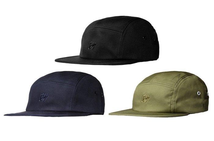 { POISON } LESS SIGNATURE LOGO CAMP CAP 草寫字樣五片帽 限量純色調