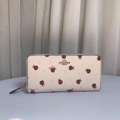 美國名品折扣店~ 特賣 COACH 98126 新款瓢蟲圖案女式長夾 皮夾 手拿包 錢包 拉鏈女夾