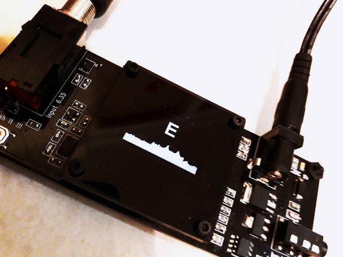 調音表 調音錶 可測存放吉他環境溫度 濕度 溫度計 濕度計 調音器 調音表 可用boss專用變壓器 吉他恆溫恆濕偵測