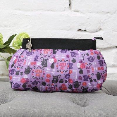 [瑞絲小舖]~日雜Anna Sui20周年特刊附錄紫色午茶淑女收納包 化妝包 小物包 萬用包 手拿包