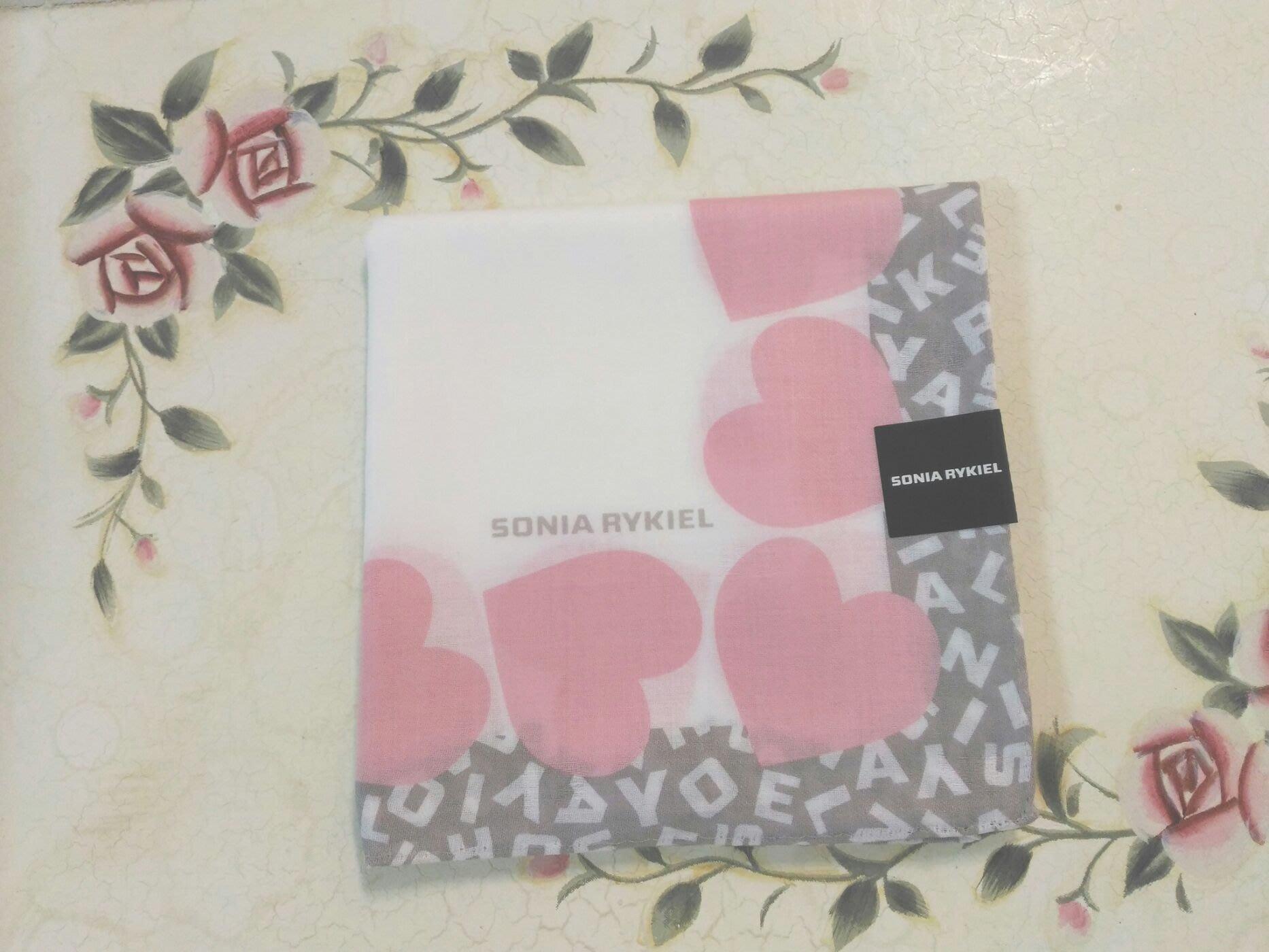 SONIA 手帕  淺咖啡字邊 粉紅愛心邊框 白底 手帕  日製 日本帶回