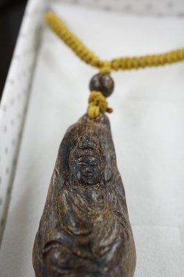【壽馨堂】印尼Jayapula急沉項鍊,氣味濃郁~慈悲觀世音菩薩.精細的雕工,佛珠也是急沉~