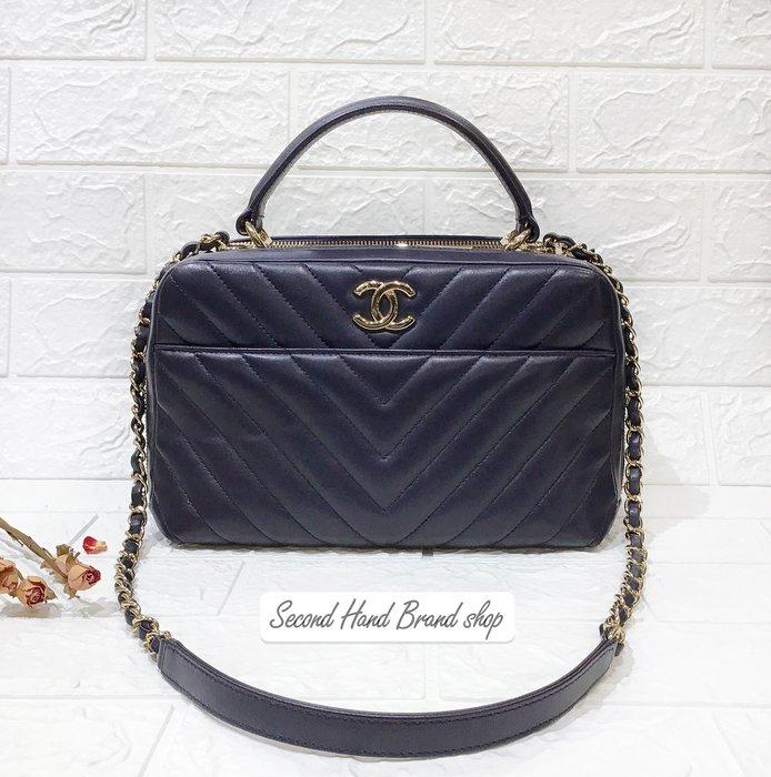 二手旗艦 CHANEL Trend CC系列 深藍 羊皮 山形紋 淡金 銅牌 三夾層 鍊包 兩用包(中友店) 31502