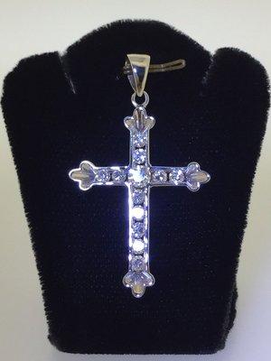【益成當舖】流當品 寧夏夜市旁 白k十字架鑽石墜子