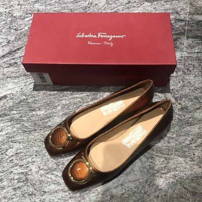 Salvatore Ferragamo咖啡金漆皮淑女鞋/平底鞋(38 / 7號)~~全新品出清
