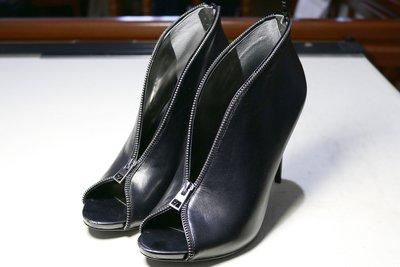 Carlos 時尚性感女神百搭款皮革高跟包鞋短靴踝靴魚口鞋大腳大碼大尺碼 黑色 10號 43.44號 小S、孫芸芸、關穎