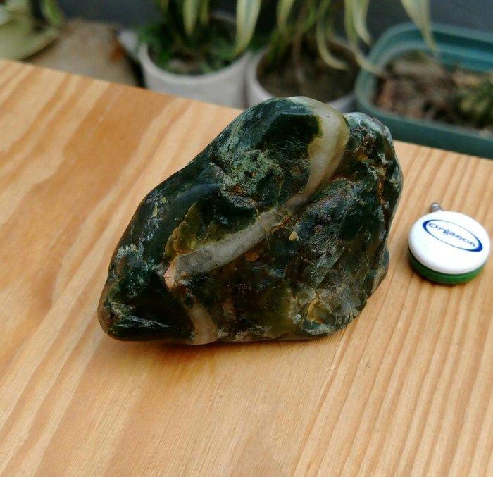老珍藏天然花東玉石虎皮玉原礦擺件把玩件/重約75公克,天然三彩紋路非常漂亮,珍藏品便宜出清