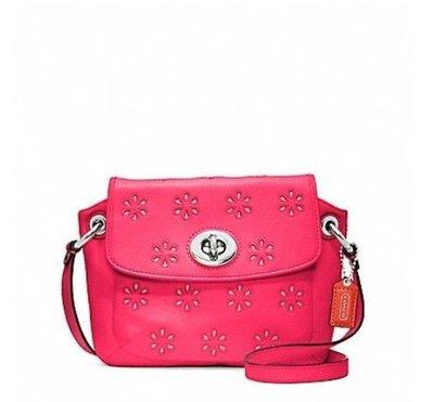 【美國精品館】COACH 48945  Poppy Eyelet Leather Flap Crossbody (珊瑚紅) 皮革雕花斜背包~