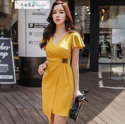 短袖洋裝圓領姜黃色交叉V領荷葉邊袖修身...