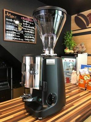 卡拉拉咖啡精品 義大利 Mazzer Super Jolly 義式磨豆機 電動磨豆機